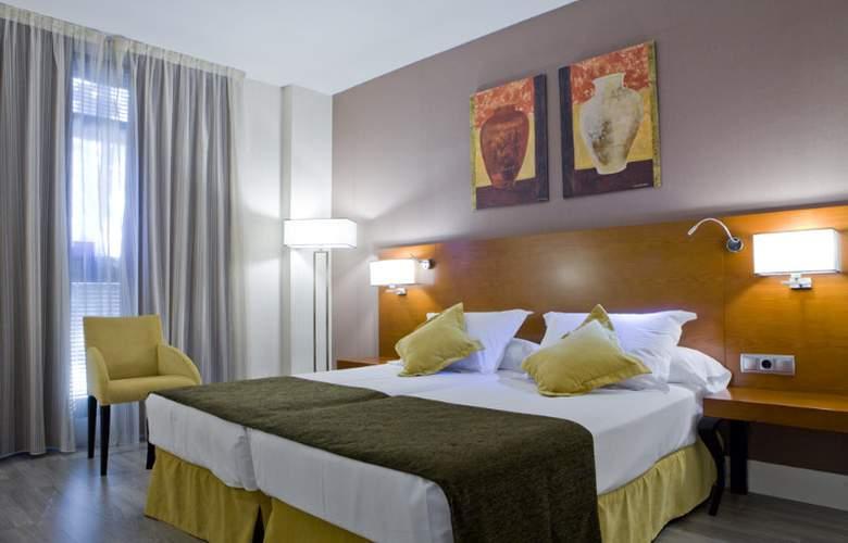 Puerta de Toledo - Room - 24