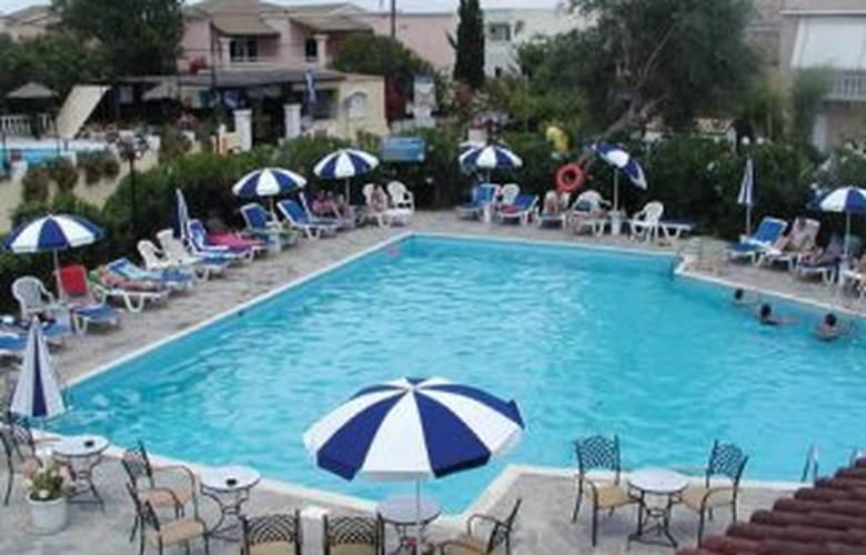 Gemini Hotel - Pool - 4