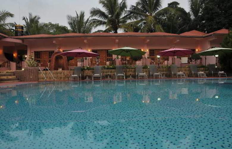 Leoney Resort - Pool - 18