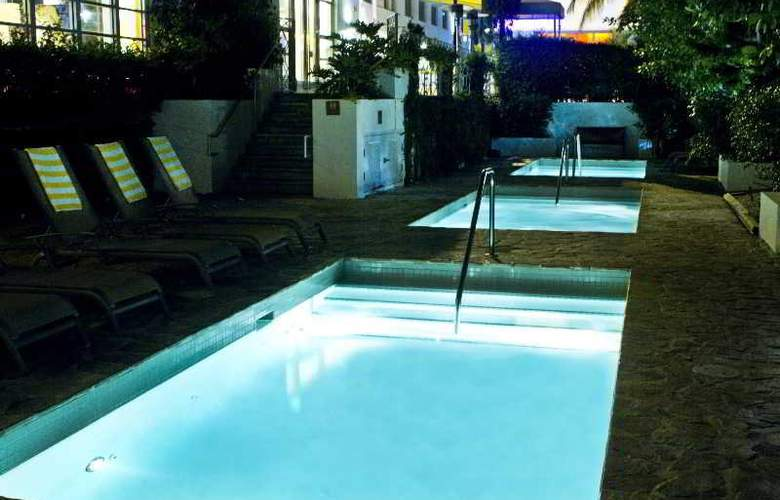 The Stiles South Beach - Pool - 14