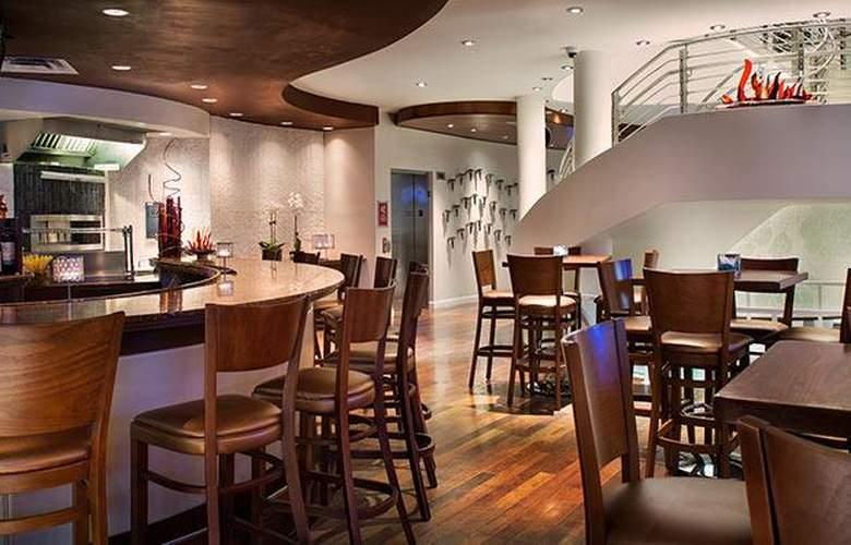 Meliá Orlando Suite Hotel at Celebration - Bar - 4