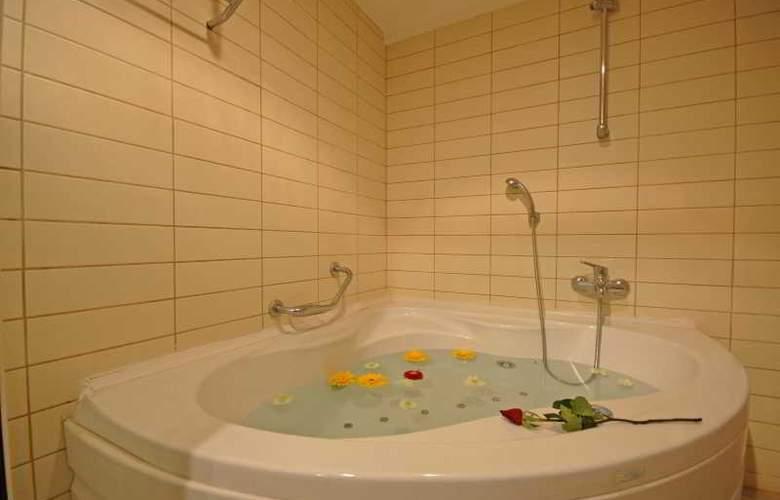 Tourist Hotel - Room - 19