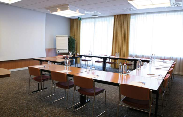 Wavre Brussels East - Conference - 6