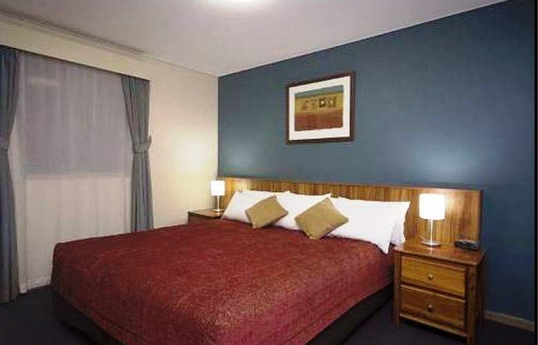 Emu Walk Apartments by Voyages - Room - 9