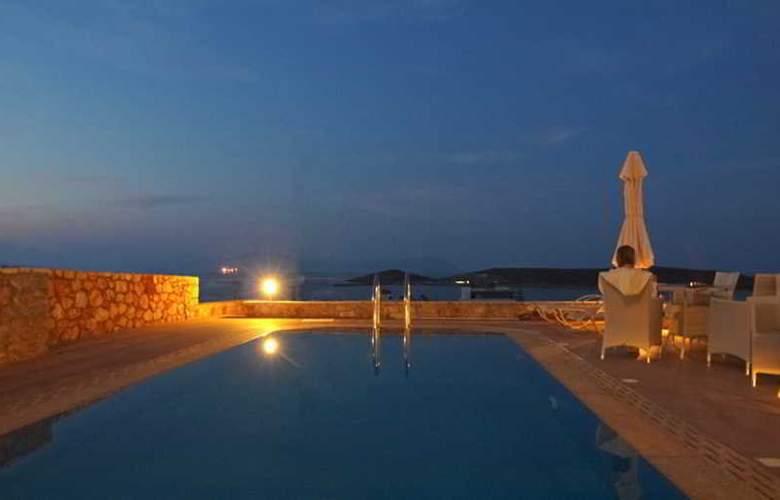 Kythira Golden Resort - Pool - 19