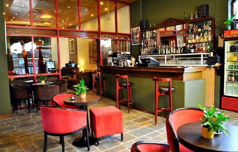 Arahova Inn - Bar - 6