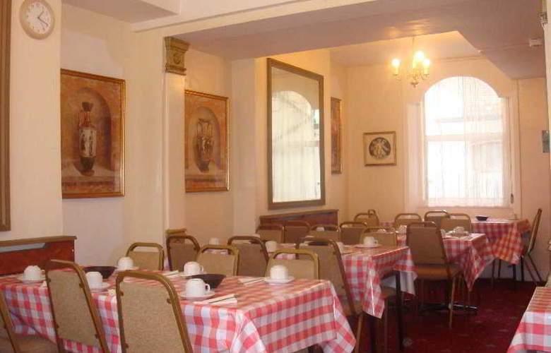 Blair Victoria & Tudor Inn - Restaurant - 8