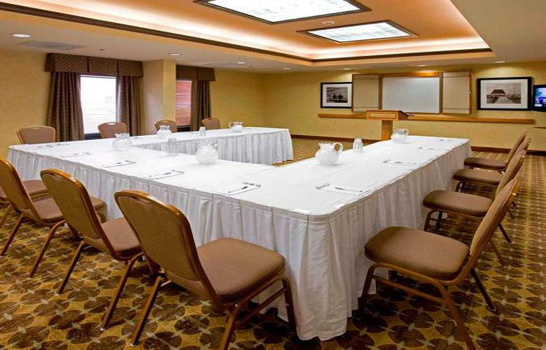 Hampton Inn Waldorf - Conference - 13