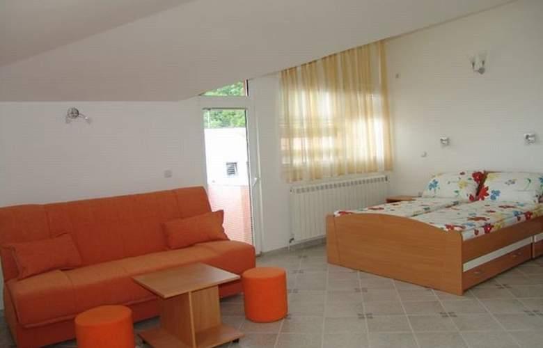 Lagadin - Room - 3