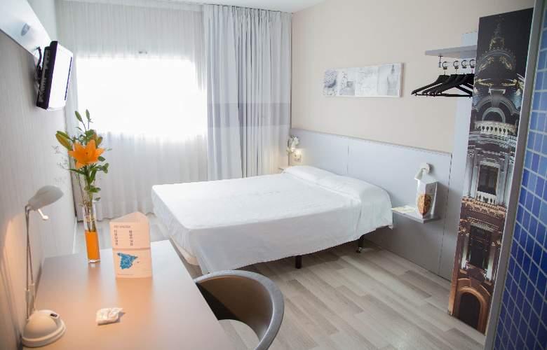 B&B Valencia Aeropuerto - Room - 5