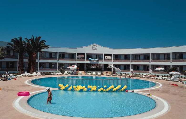 Altin Yunus Resort & Thermal Hotel - Pool - 10