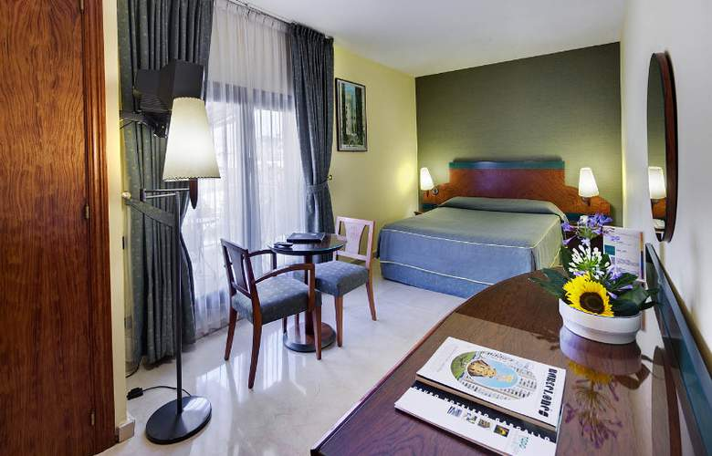 Gran Barcino - Room - 5