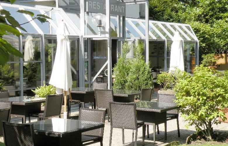 Alliance Hotel Paris Saint Quentin en Yvelines - Terrace - 15