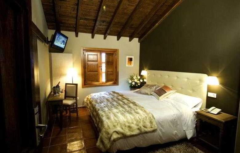 El Coto - Room - 3