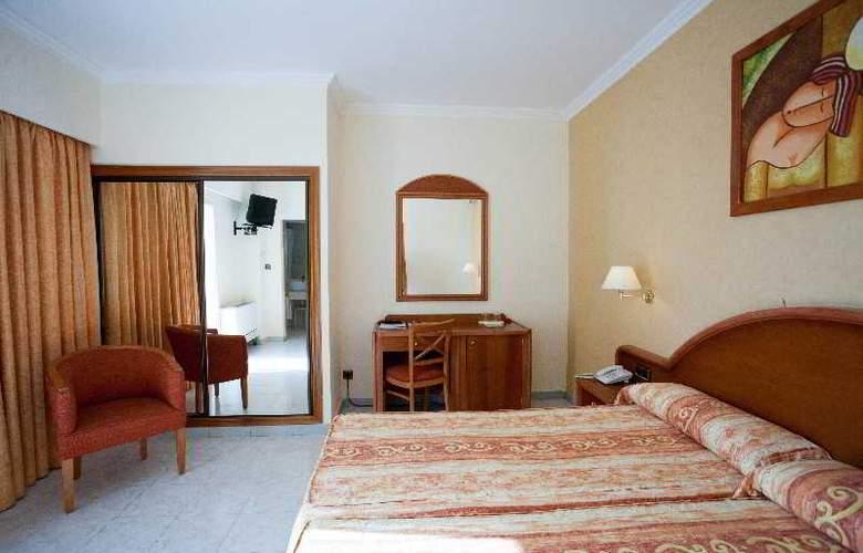 Las Arenas - Room - 12