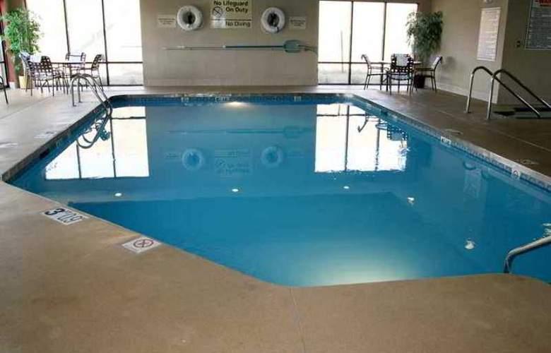 Hampton Inn Milwaukee-Northwest - Hotel - 2