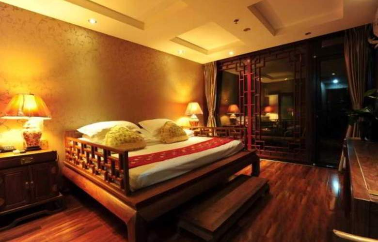 Traditional View - Room - 12