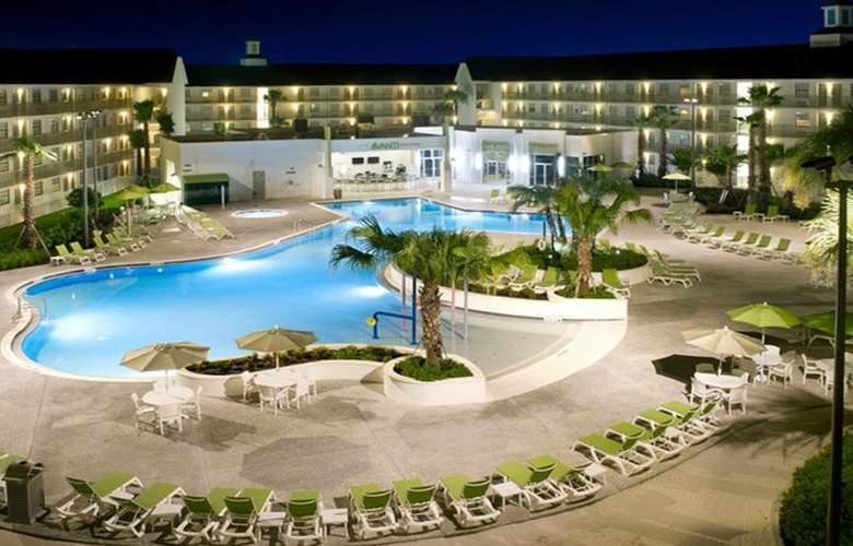 Avanti Resort - Pool - 4
