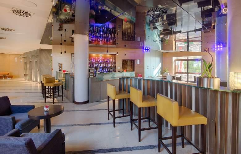 NH Bologna Villanova - Bar - 8