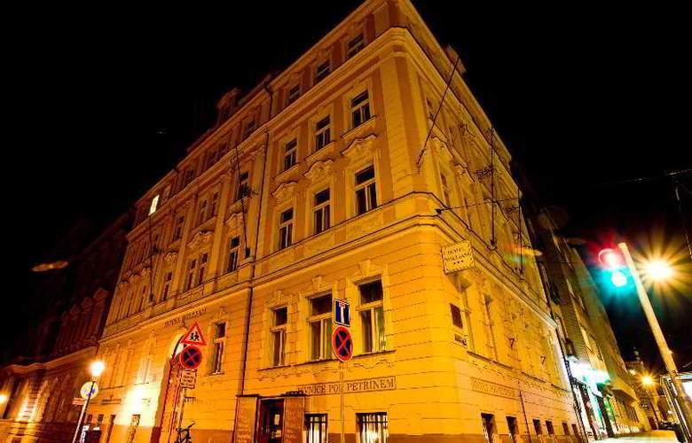 William - Hotel - 0