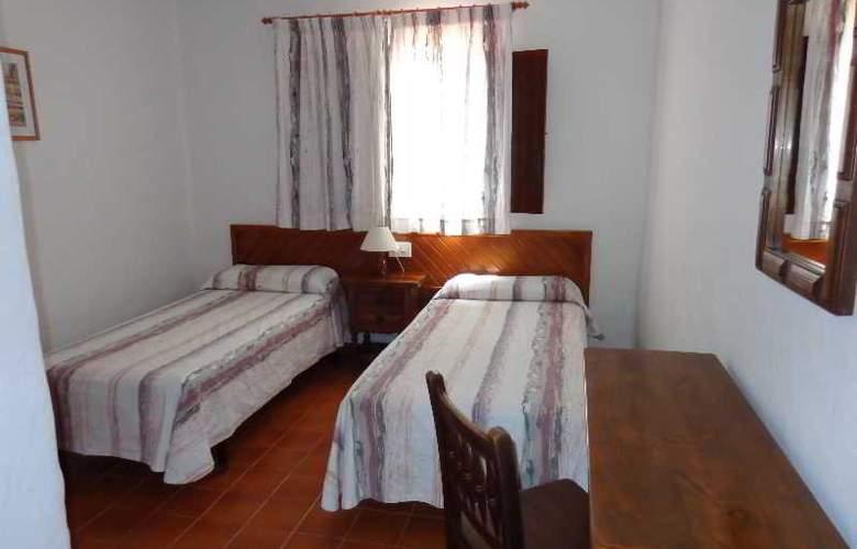 Benet - Los Pinares I - Room - 10
