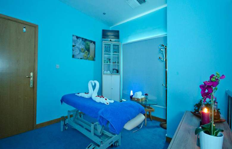 Al Bustan Centre & Residence - Sport - 8