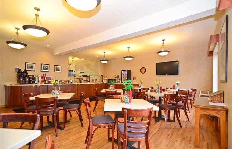 Best Western Plus Park Place Inn - Restaurant - 137