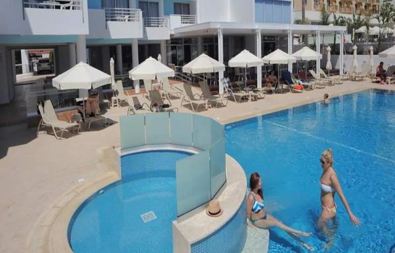 Okeanos Beach Hotel - Pool - 3