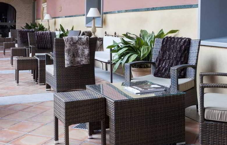 AC Palacio de Santa Paula - Hotel - 8