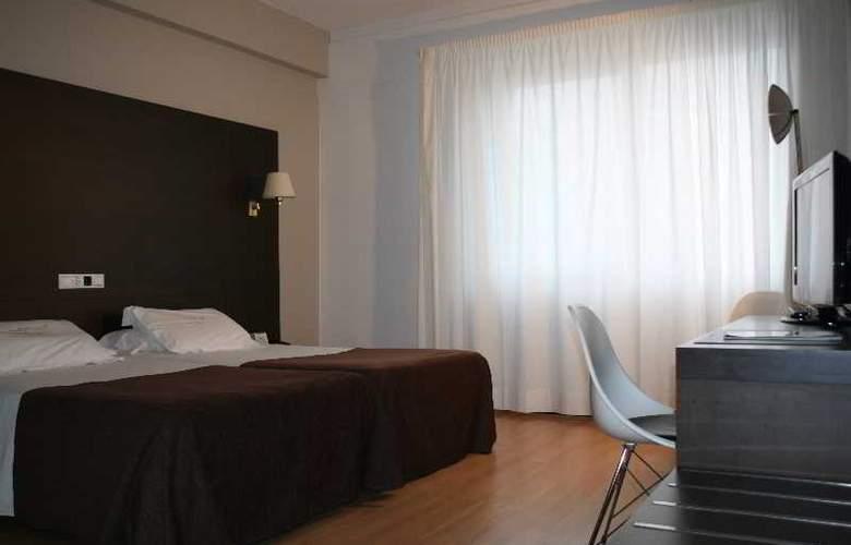 Mendez Nuñez - Room - 15