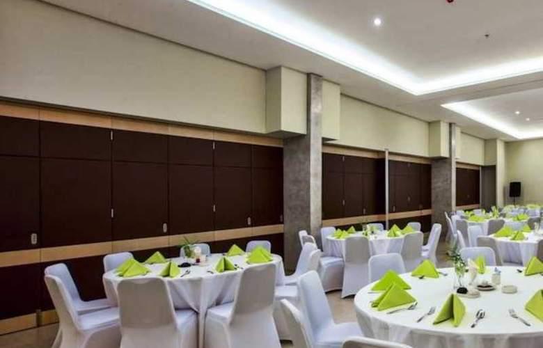 Grandmas Tuban Hotel - Conference - 8