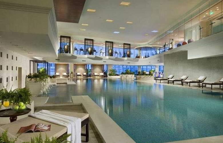 Grand Millennium - Pool - 5