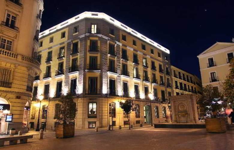 Radisson Blu Madrid Prado - Hotel - 4