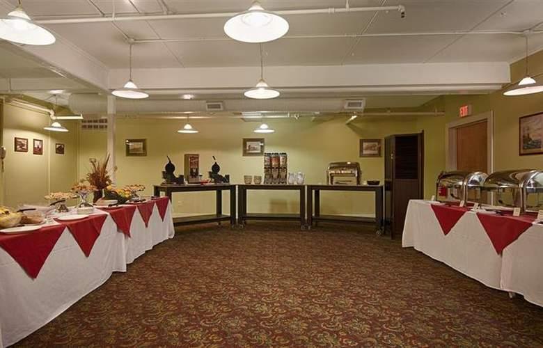 Best Western Merry Manor Inn - Restaurant - 73