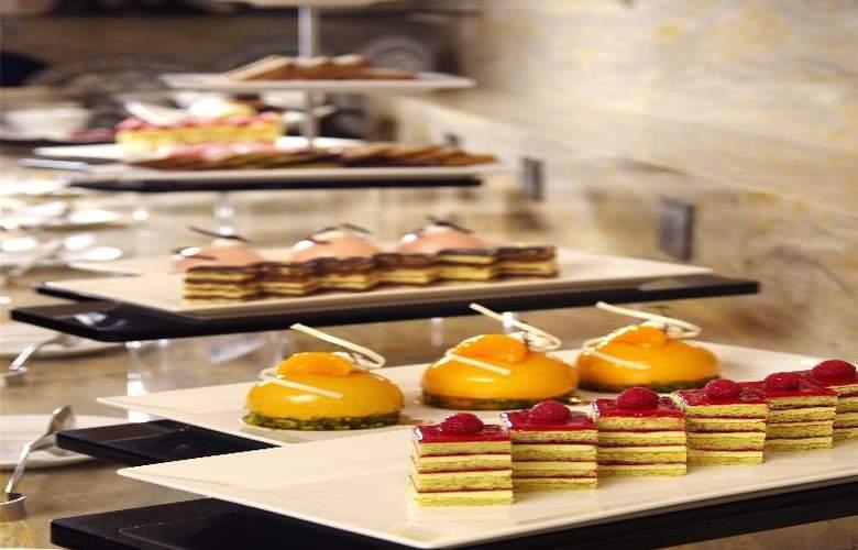 The Riviera Hotel - Restaurant - 26