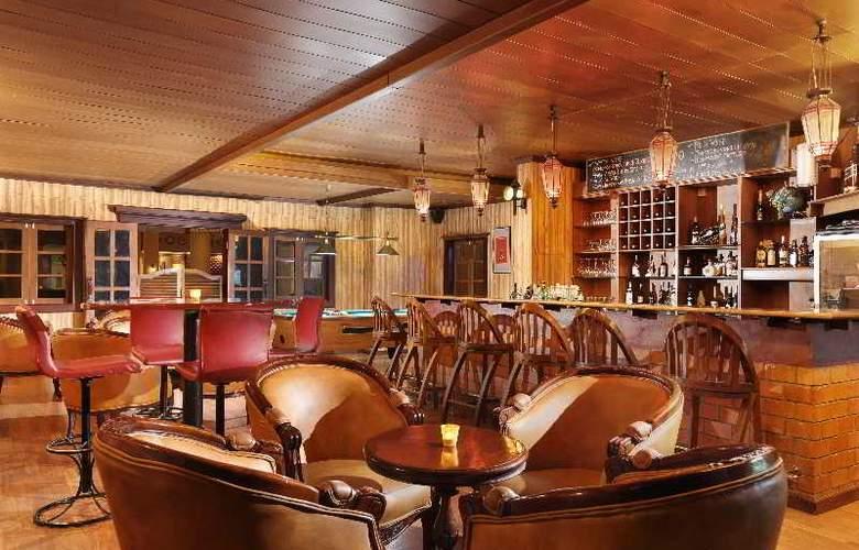 Goodway Hotel Batam - Bar - 22