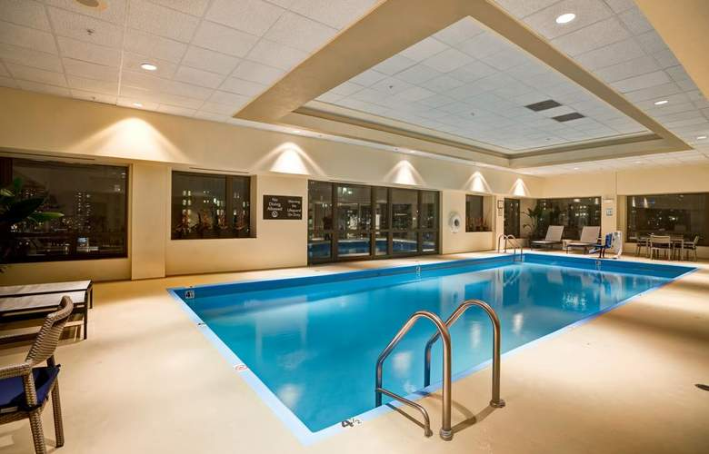 Homewood Suites by Hilton Chicago-Downtown - Pool - 3