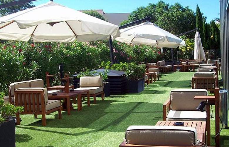 Tryp Port Cambrils Hotel - Terrace - 26