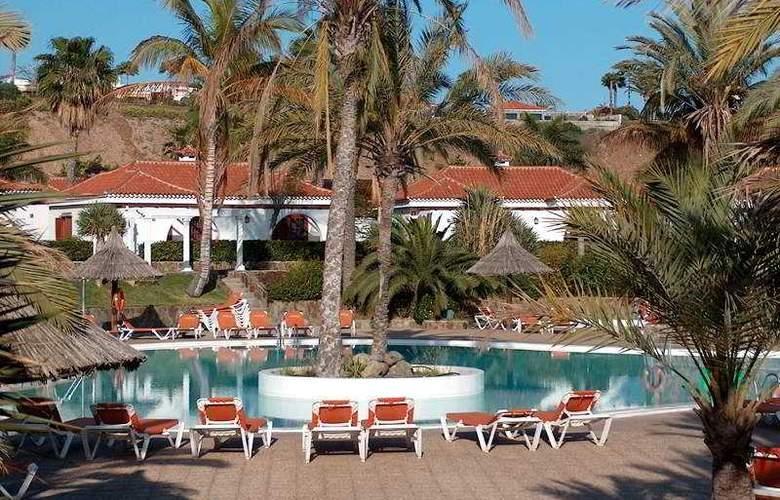 Bungalows Parque Golf - Hotel - 3