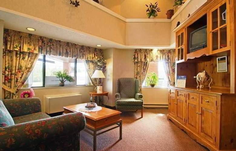 Comfort Inn Kenora - General - 0