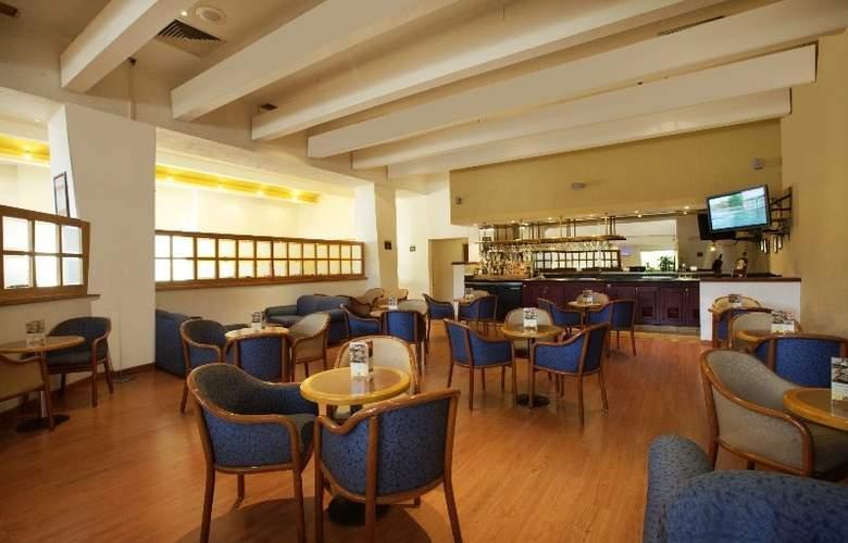 Fiesta Inn Monterrey Centro - Bar - 7