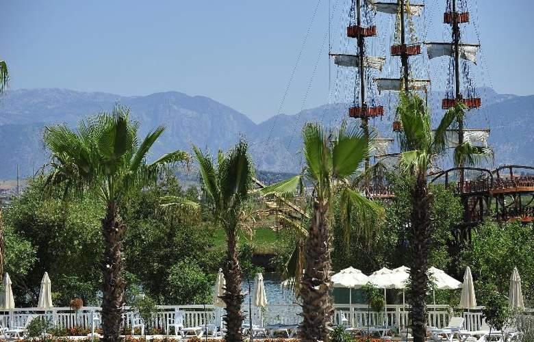 Lake & Riverside Hotel & Spa - Hotel - 4