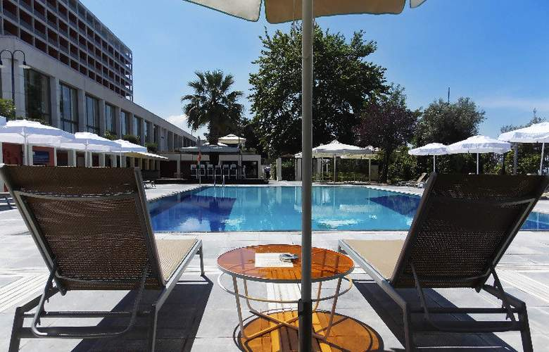 Classical Makedonia Palace - Pool - 7