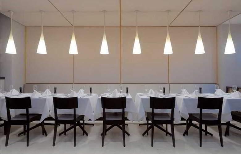 Indigo Berlin Alexanderplatz - Restaurant - 20