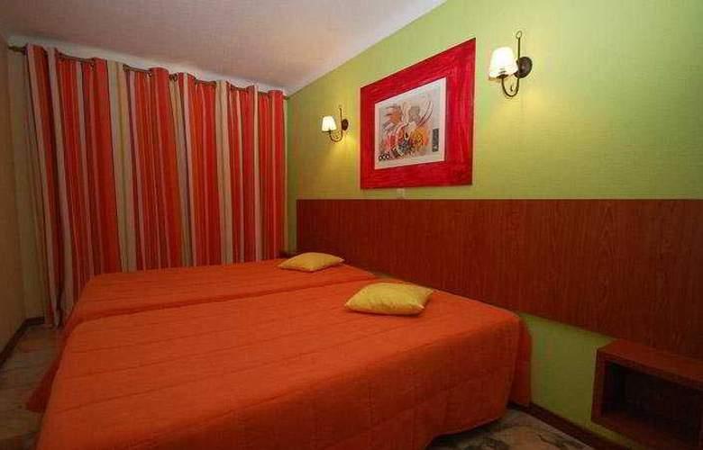 Apartamentos Honório - Room - 3