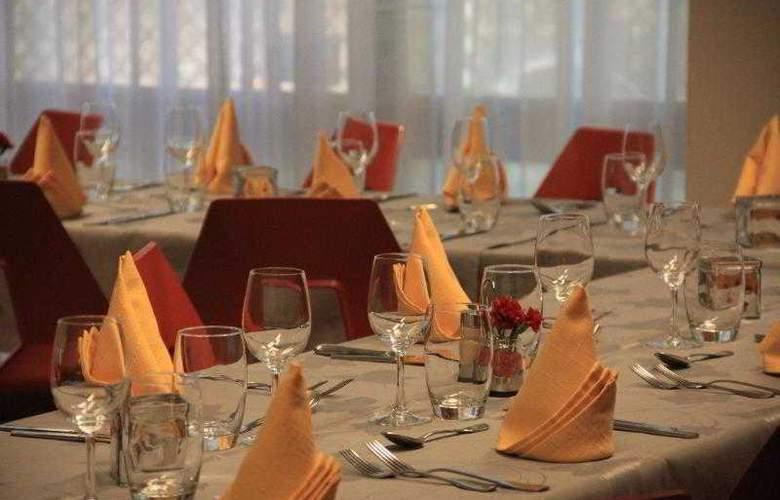 Qualys Hotel D´Alsace - Restaurant - 8