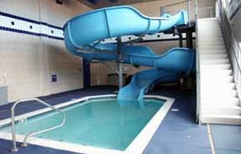 Comfort Suites North Academy - Pool - 5