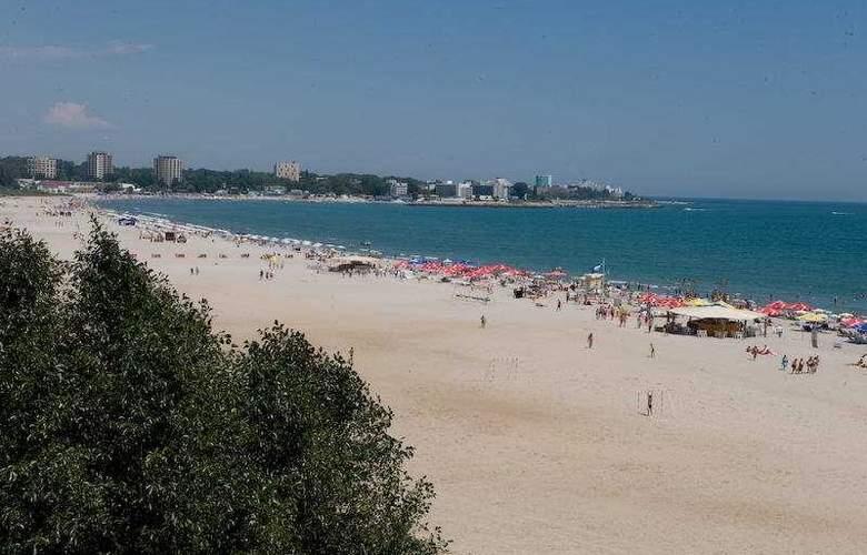 Sirena - Beach - 5