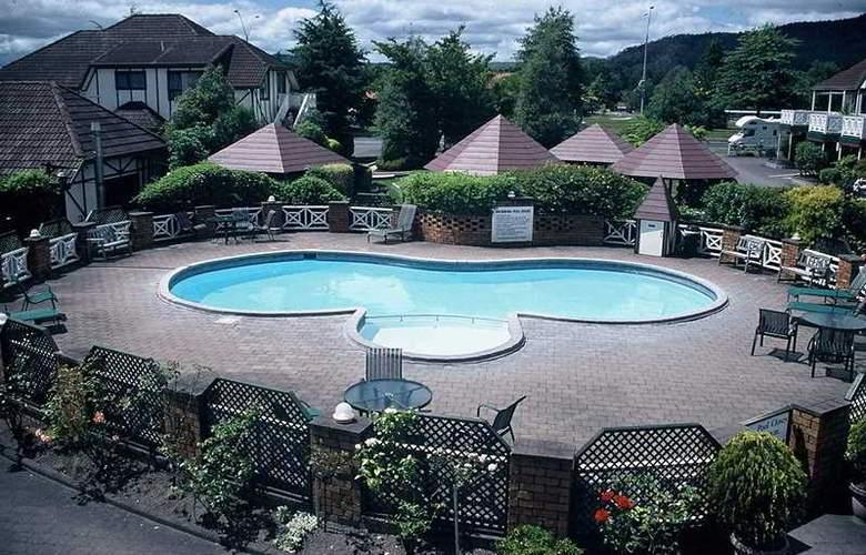 SilverOaks Resort Heritage - Pool - 2