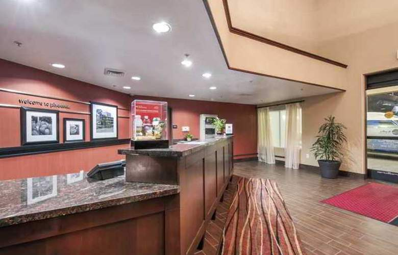 Hampton Inn Phoenix-Airport North - Hotel - 1